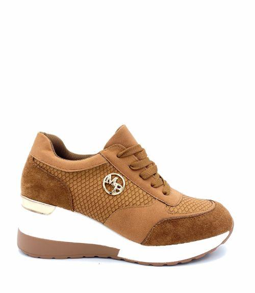 Suede sneakers με μεταλλικό διακοσμητικό  - Ταμπά