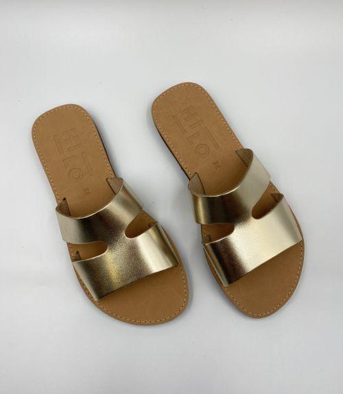 Δερμάτινα σανδάλια με σχέδιο  - Χρυσό
