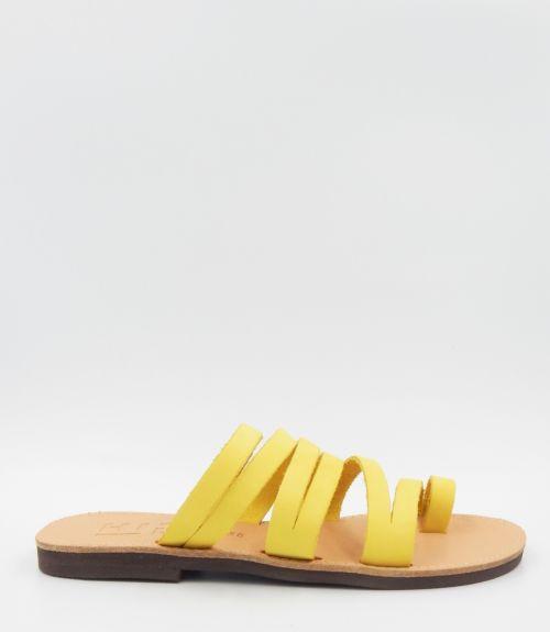 Δερμάτινα σανδάλια με λουράκια - Κίτρινο